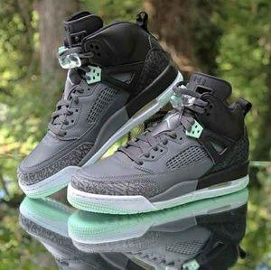 Nike Air Jordan Spizike Mint Foam  Sz 6.5 Y